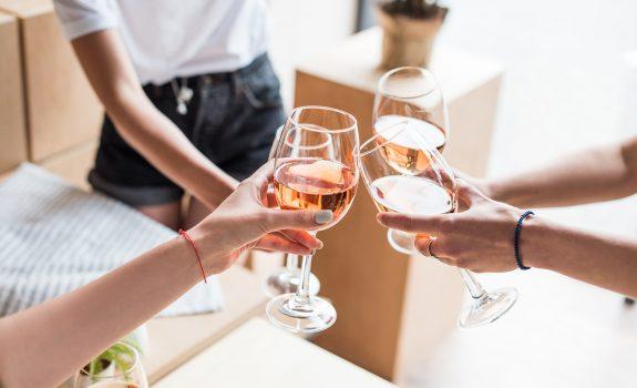 Het is tijd voor rosé! Bij deze supermarkten koop je de beste rosés
